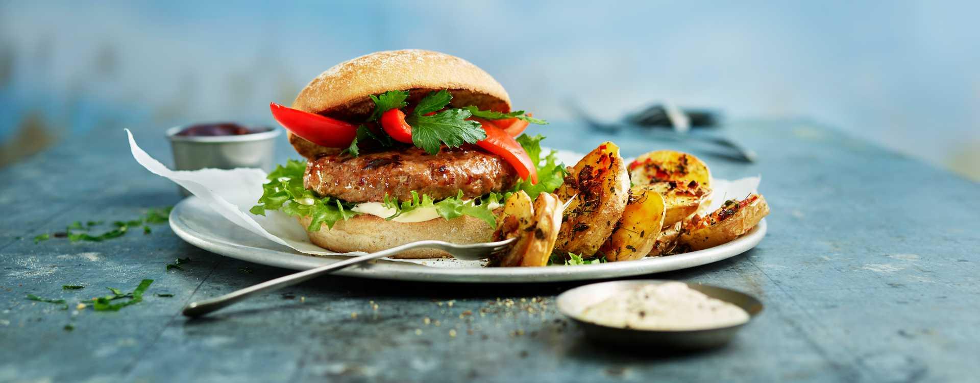 Chorizoburger, ovnsstekte poteter og aioli