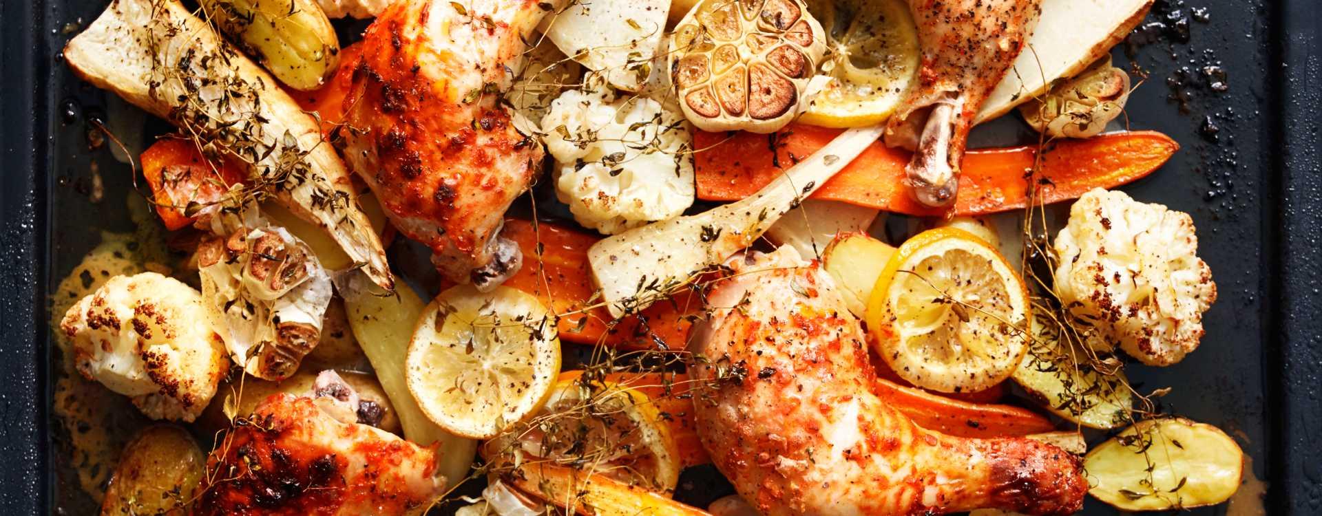 Kyllinglår med sitron-stekte høstgrønnsaker og hvitløkssmør