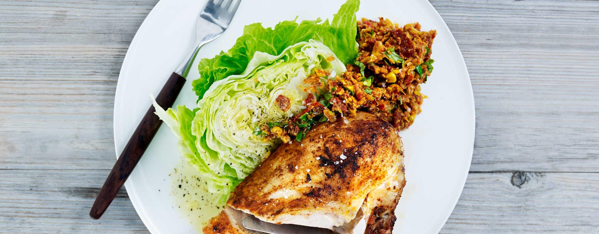 Hel grillet kylling med persille og maissalsa