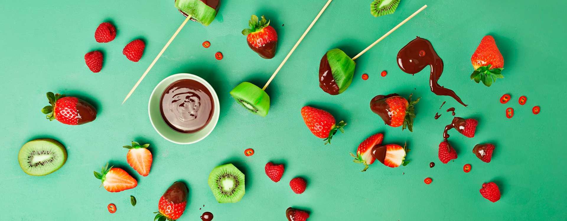 Sjokoladedyppet frukt og bær