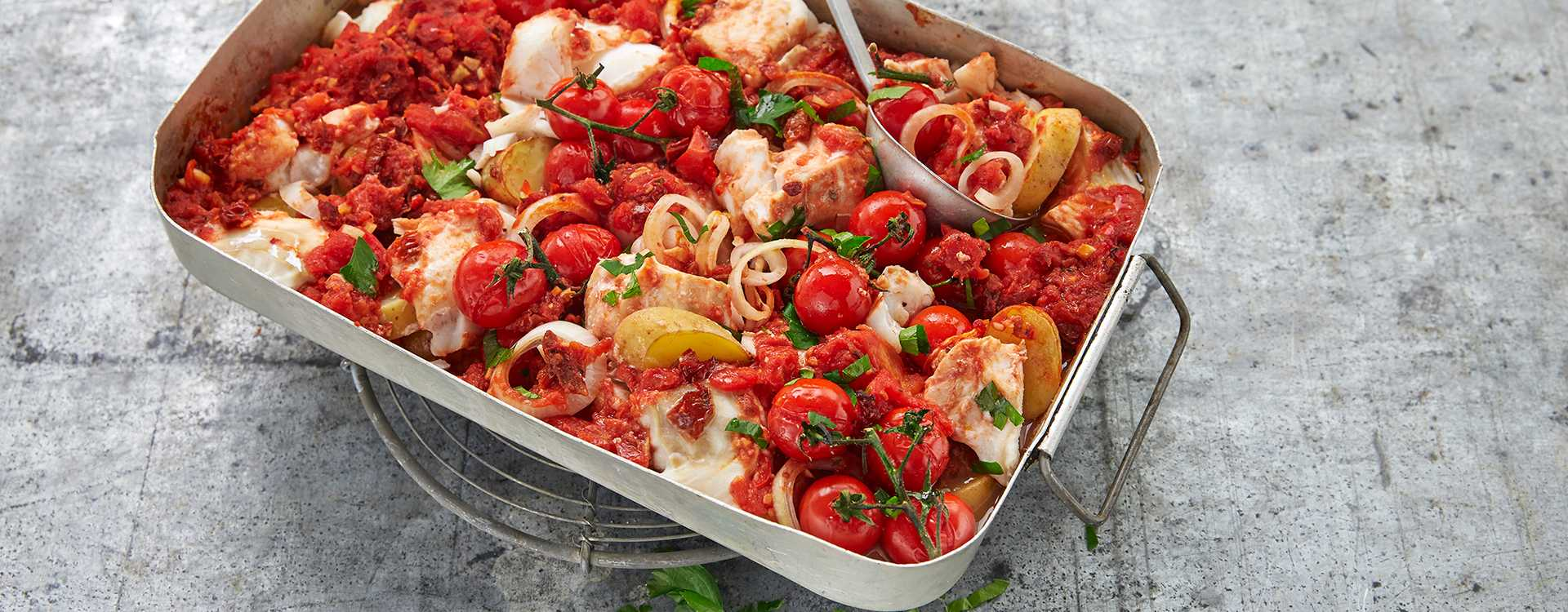 Skrei i sterk tomatsaus