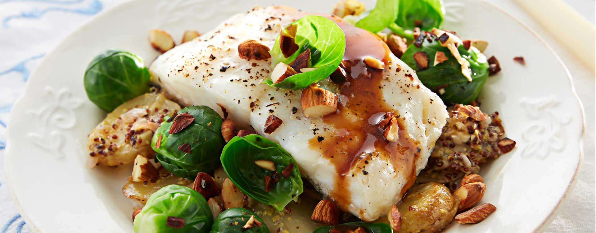 Torsk i ovn med sennepsgratinerte poteter og rødvinssaus