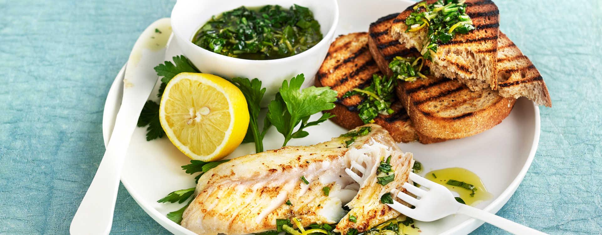 Stekt torsk med gremulata og grillet brød