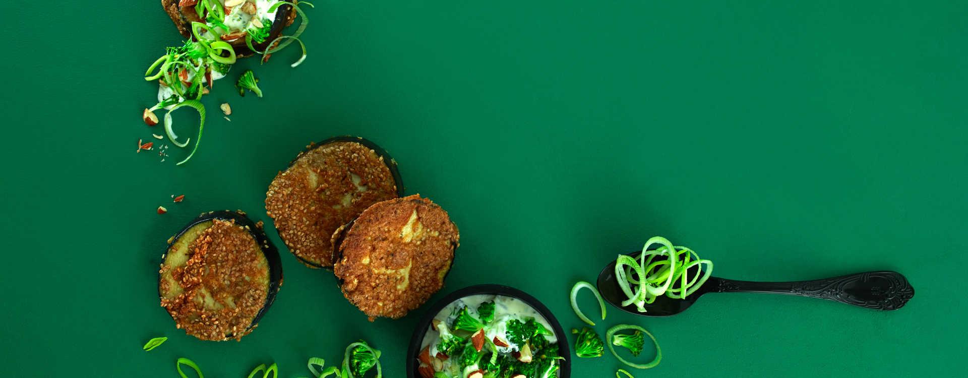 Aubergine med kremet brokkolisalat