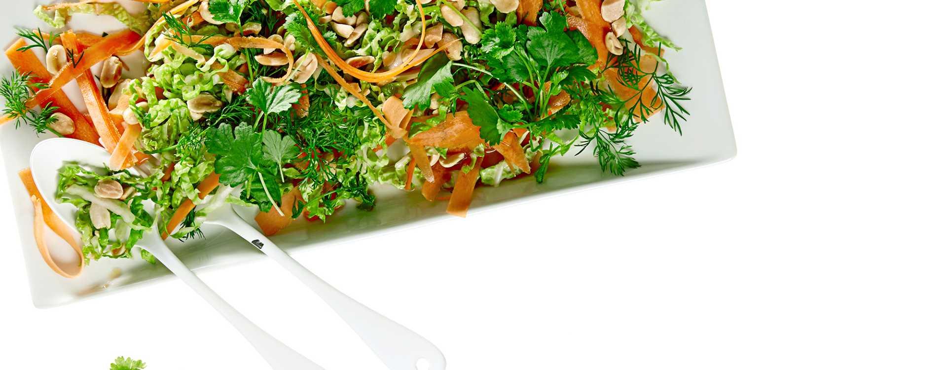 Gulrotsalat med kinakål og lime