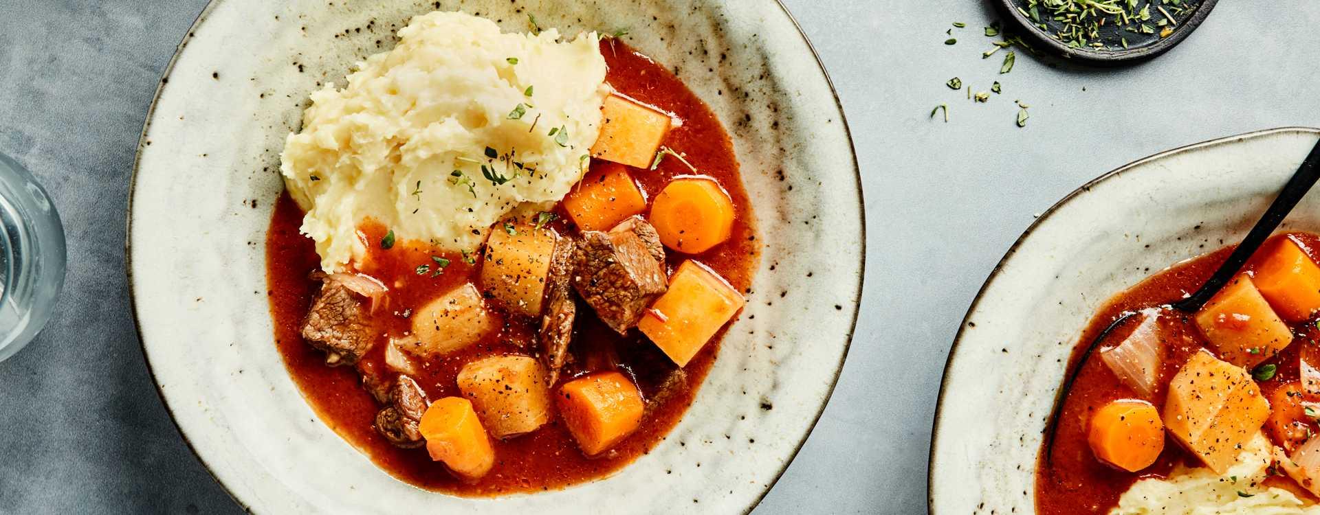 Biffgryte med kålrot, gulrot, fennikel & potet- og pastinakkmos