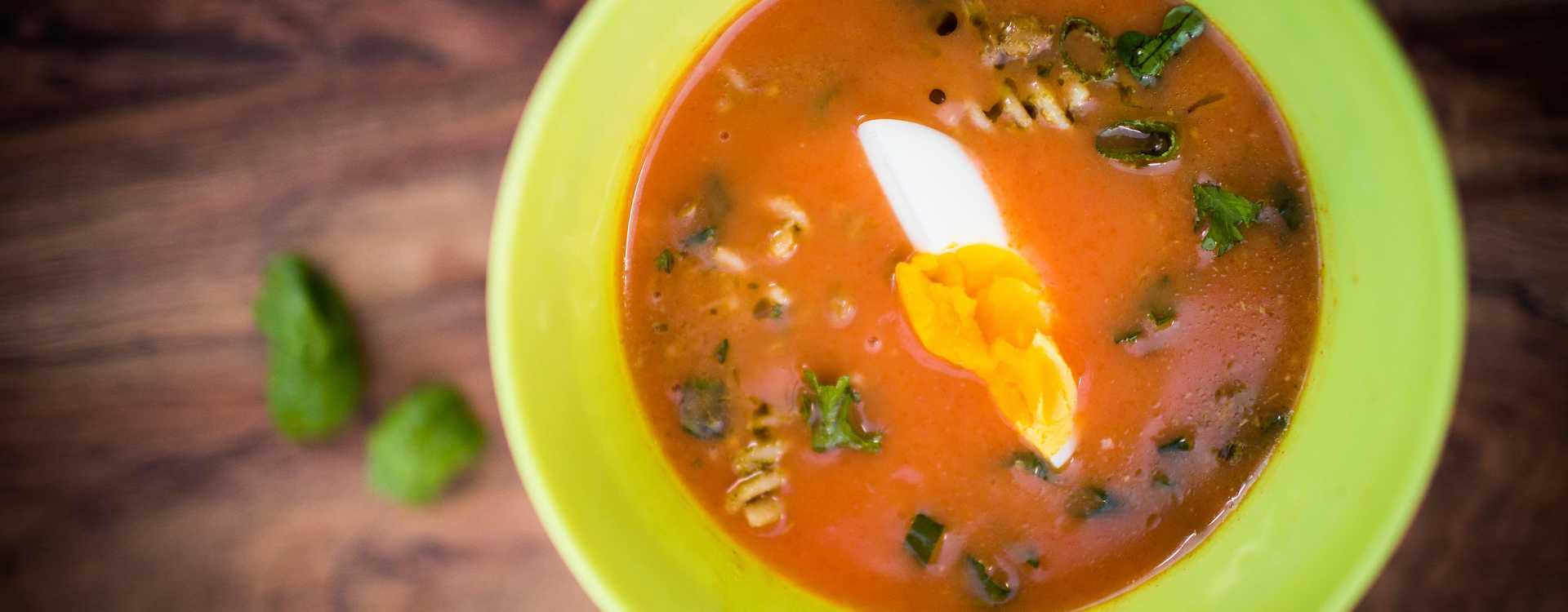 TORO Tomatsuppe med pesto- og pastasalat