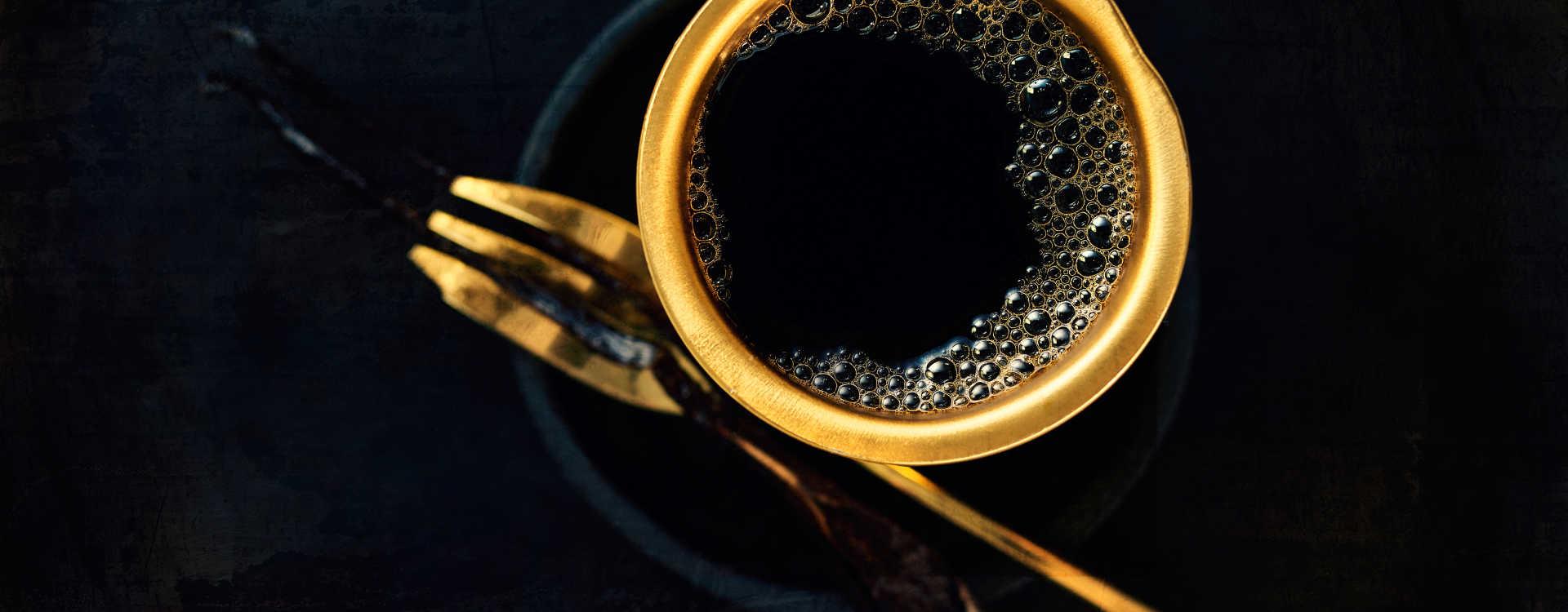 Kaffe med vanilje og kanel
