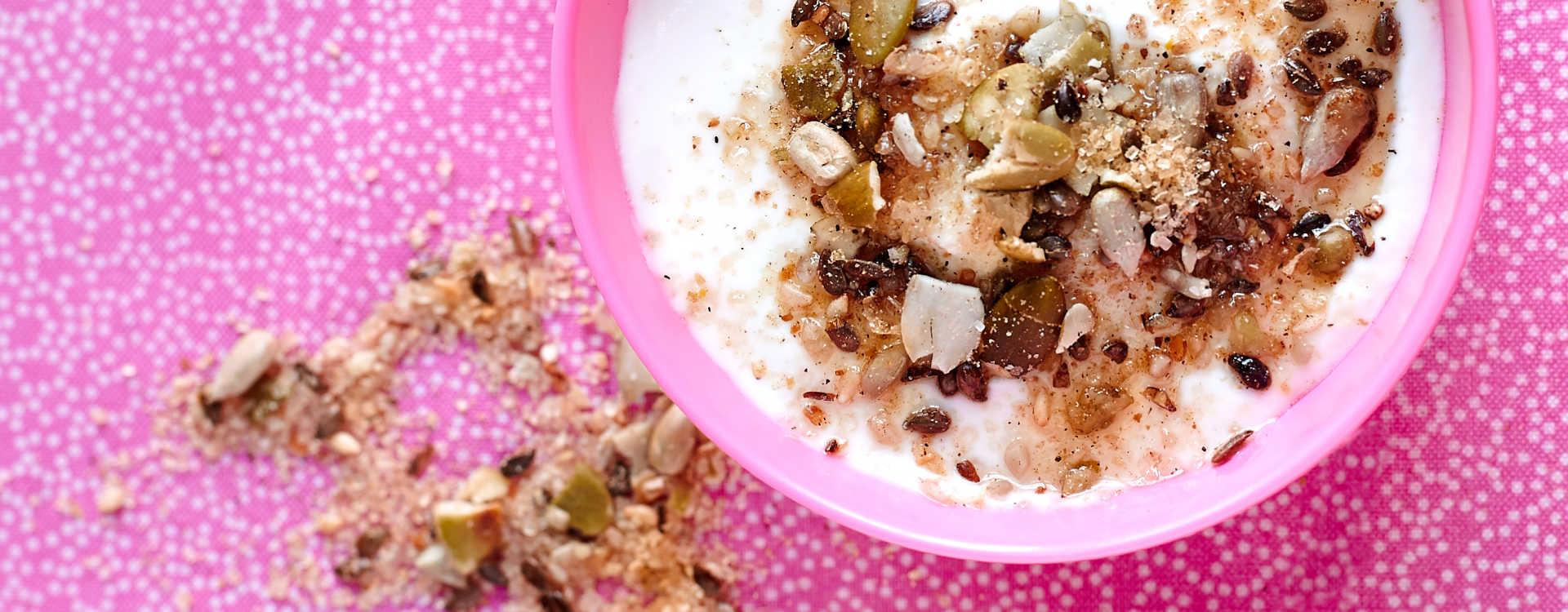 Krydret Dukkha med surmelk eller yoghurt