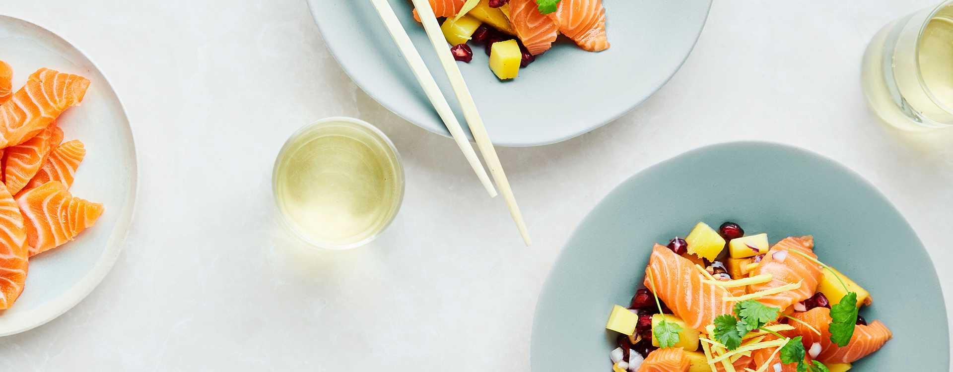 Sashimi med mango og granateple