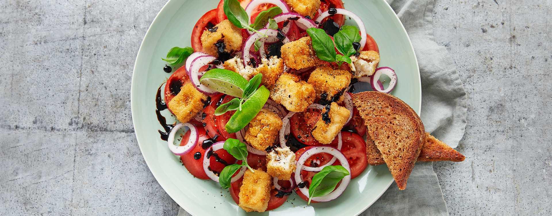 Torskenuggets med tomatsalat