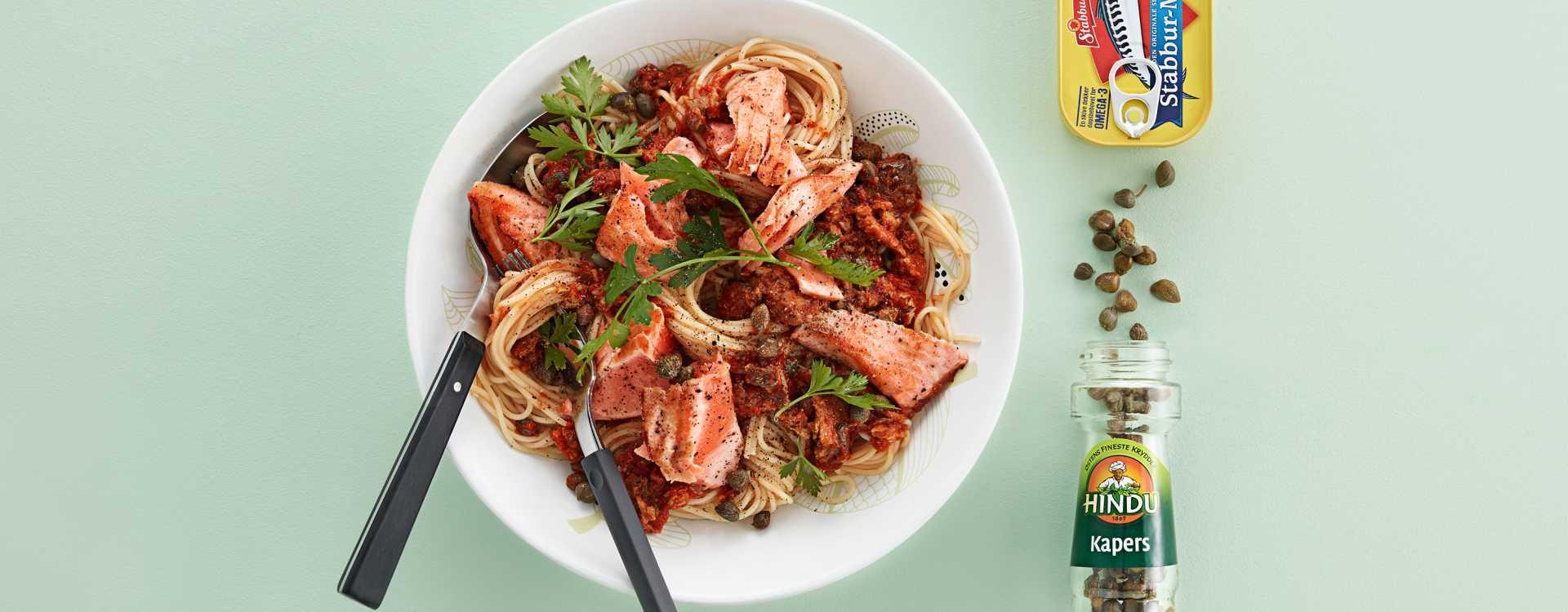 """Fullkornspasta med ørret """"Kremet"""" med makrell i tomat, kapers og persille"""