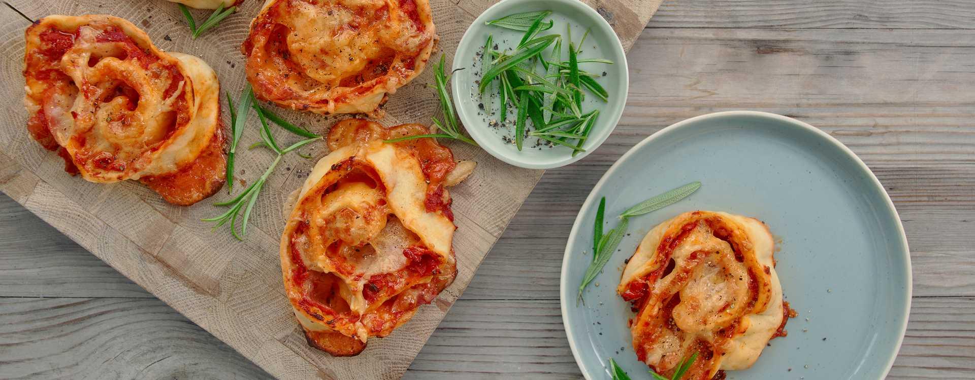 Pizzasnurrer med skinke og gulrot