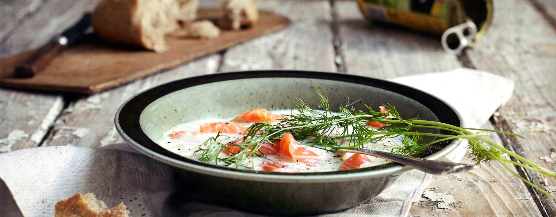 Aspargessuppe med laks og dill