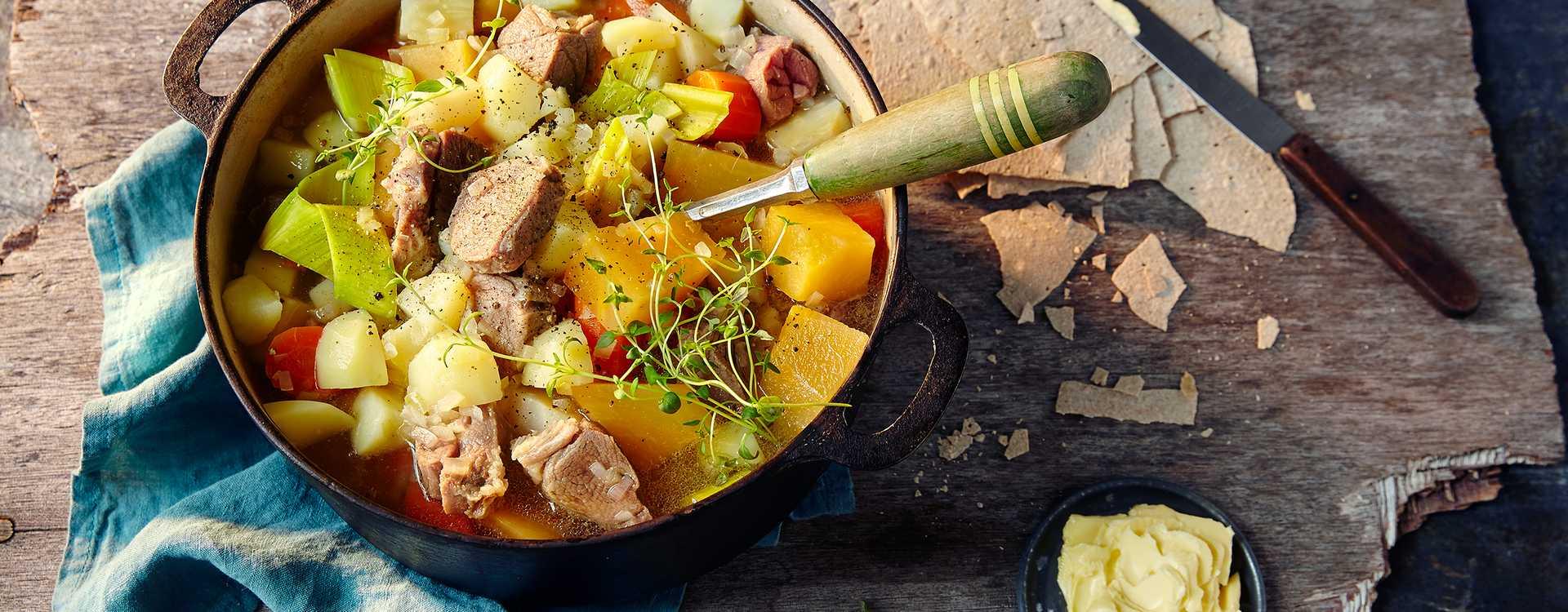Kjøttsuppe med salt lammekjøtt