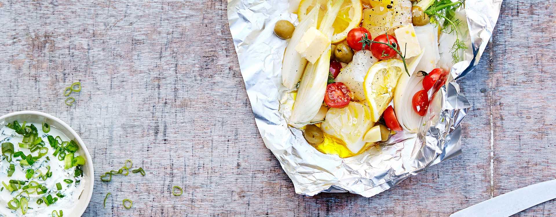 Torsk i folie med basilikumkrem og fennikel
