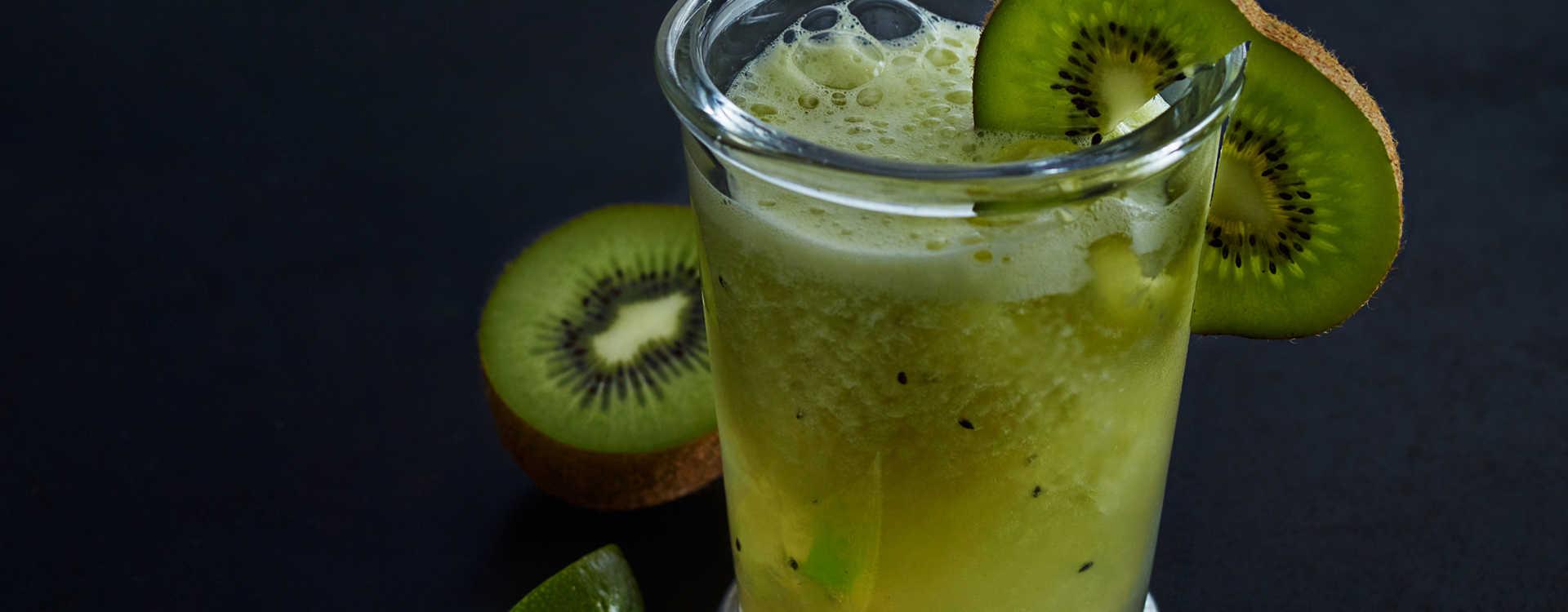 """Iced tea"" med lime, kiwi og ingefær"