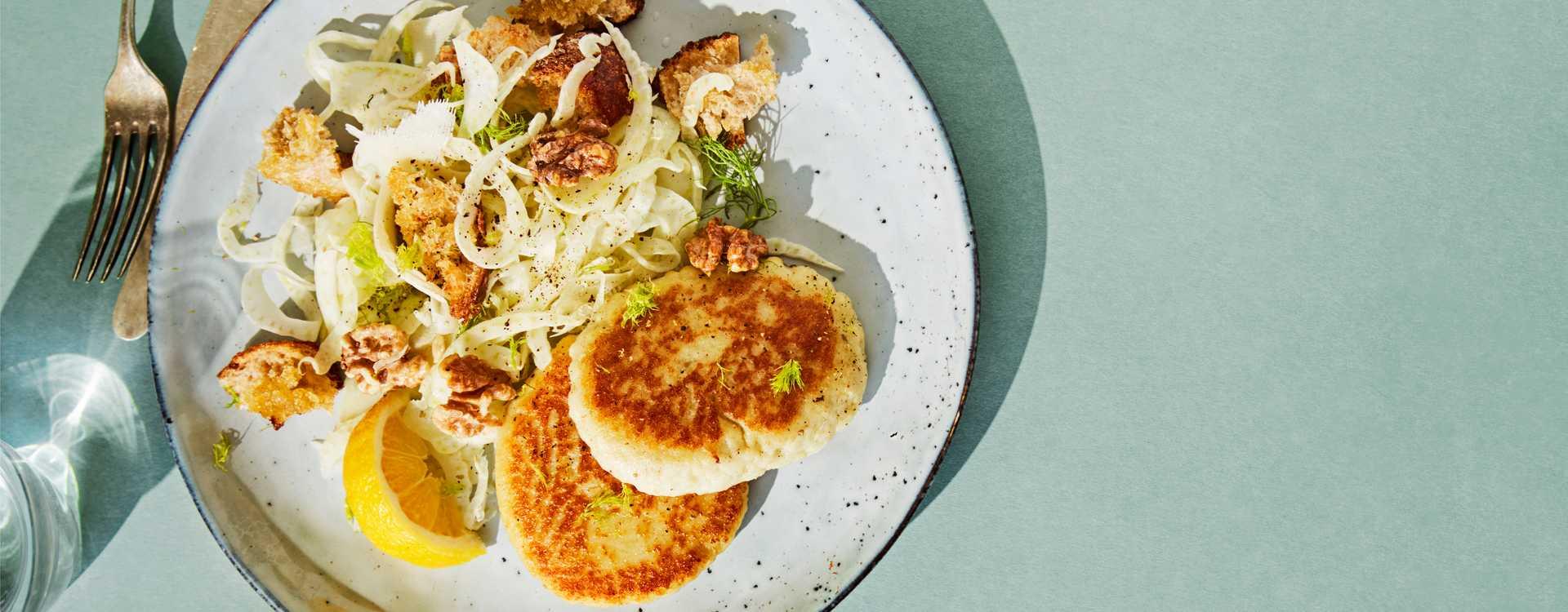 Fiskeburger med fennikelsalat