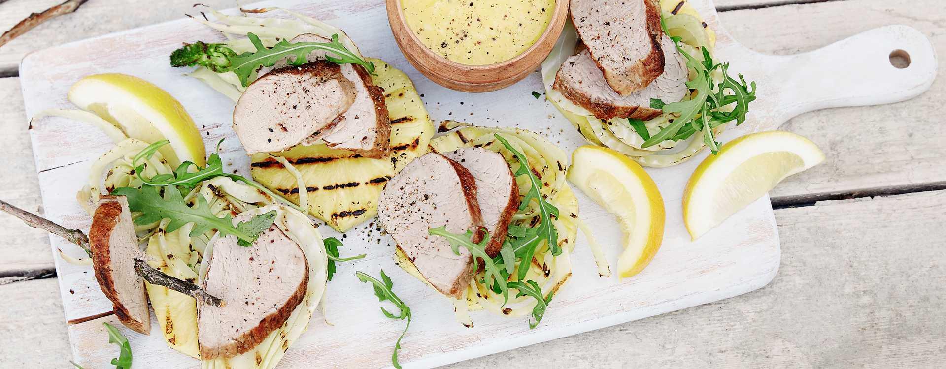 Grillet svinefilet, ananas og fennikel med sitronvinaigrette
