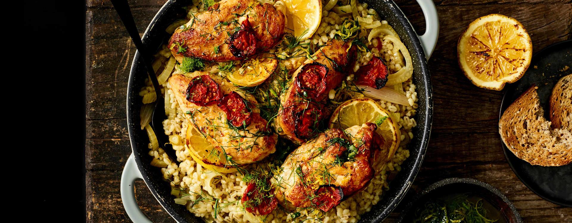 Kyllinggryte med fennikel, tomater og byggryn