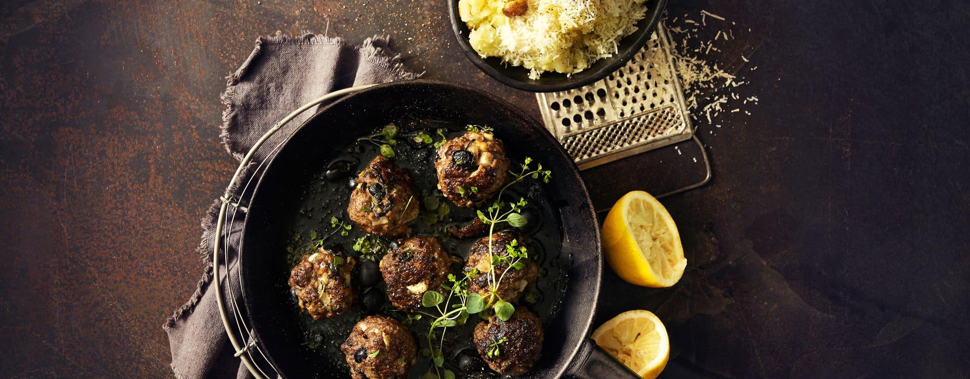 Italienske kjøttboller med oliven og hvitløkspoteter