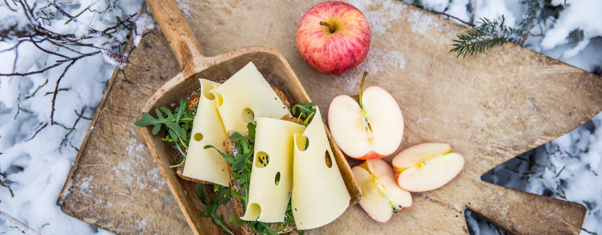 Ost- og eplesmørbrød