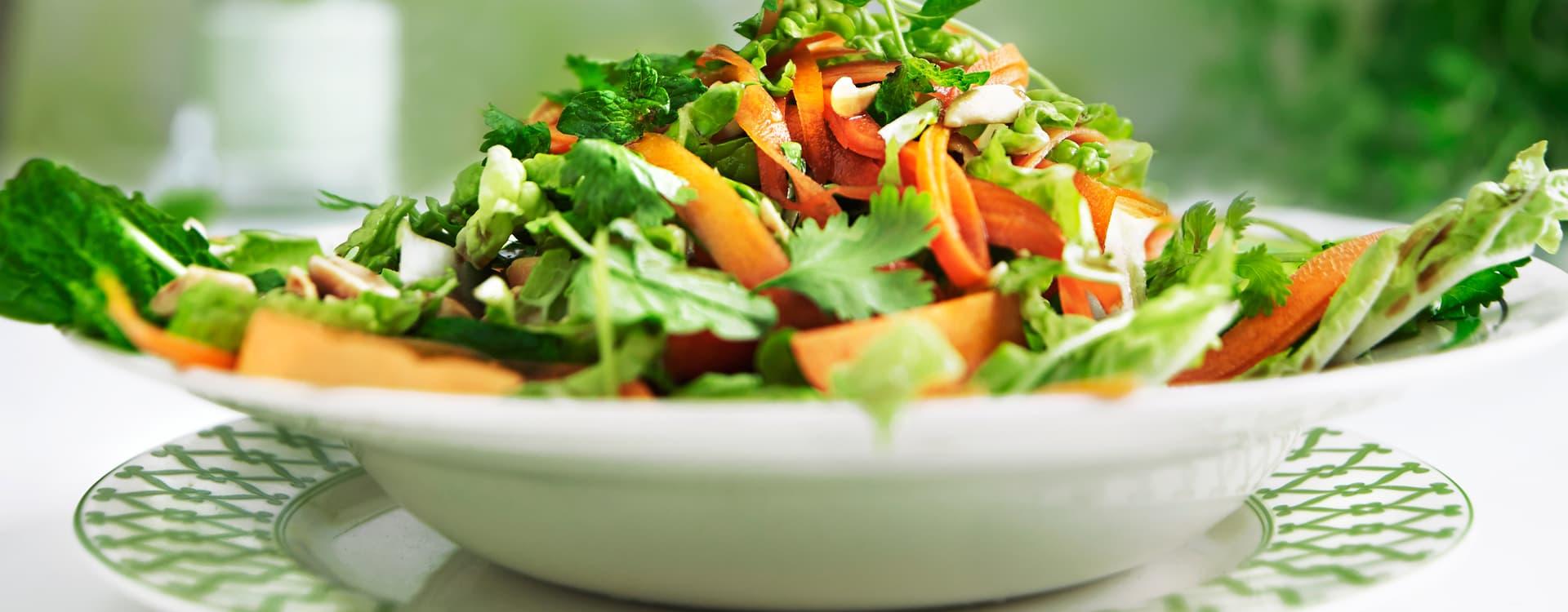 "Grønn ""papaya""- salat med kinakål og lime"