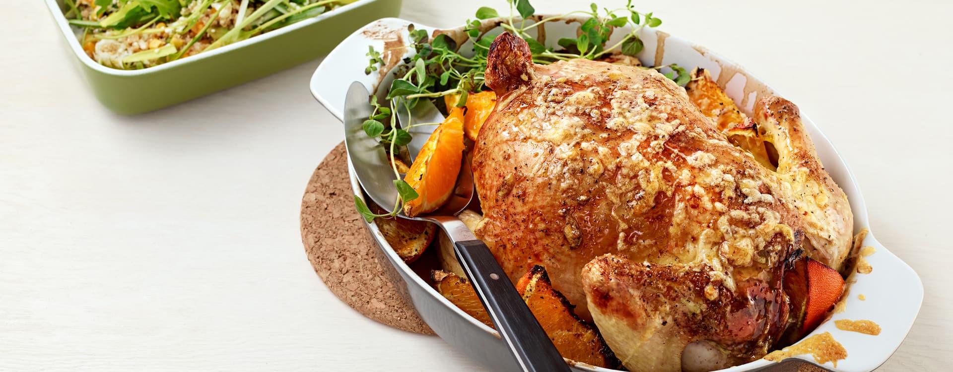 Hel kylling med appelsin og quinoasalat med mais og blomkål