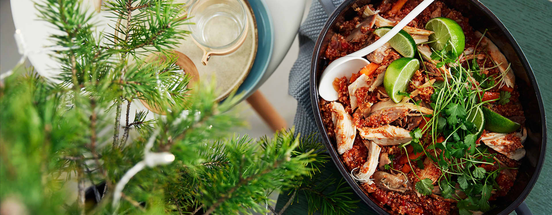 Kalkungryte med tomat, løk, gulrøtter, hasselnøtter og quinoa