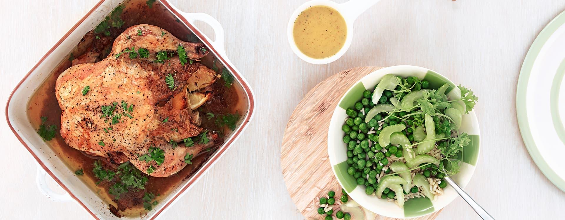 Helstekt kylling med grønnsaksris og karrisaus