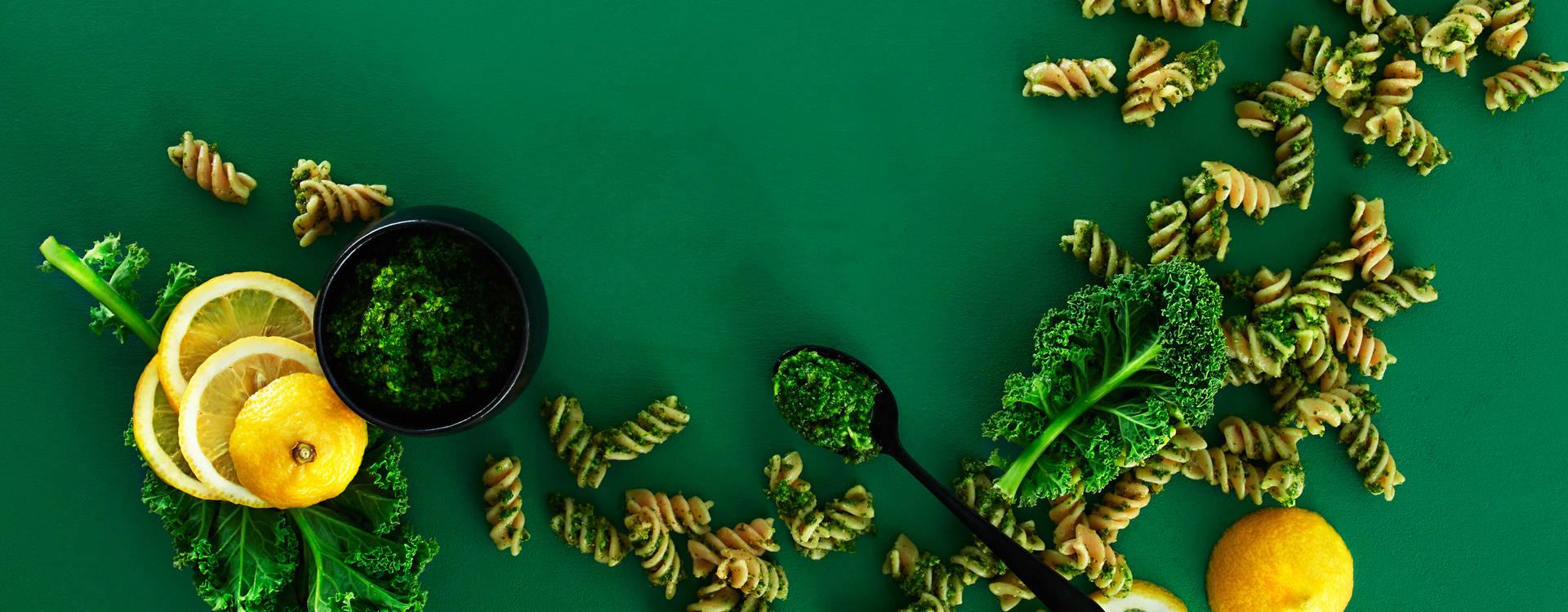 Fullkornspasta med grønnkålpesto