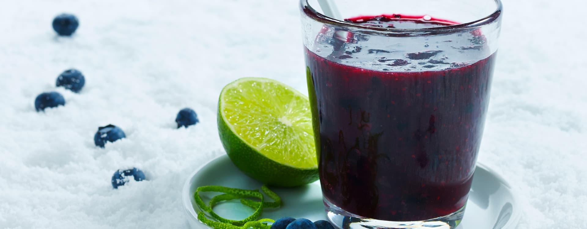 Blåbærsuppe med limeskall