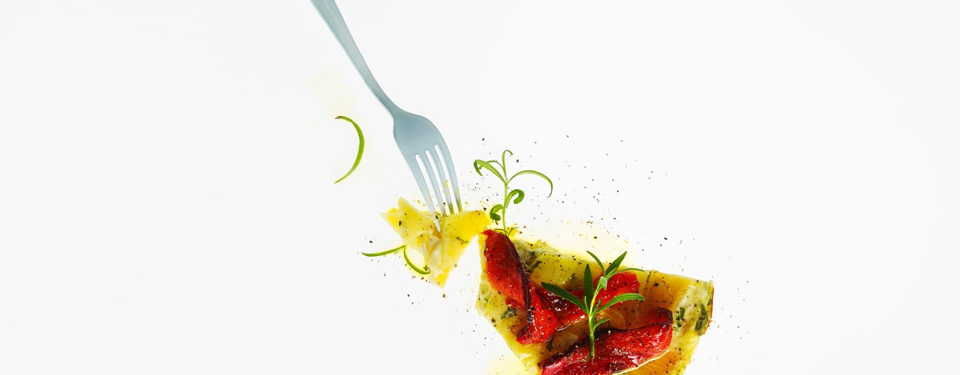 Potet og kålrotskake med brent paprika