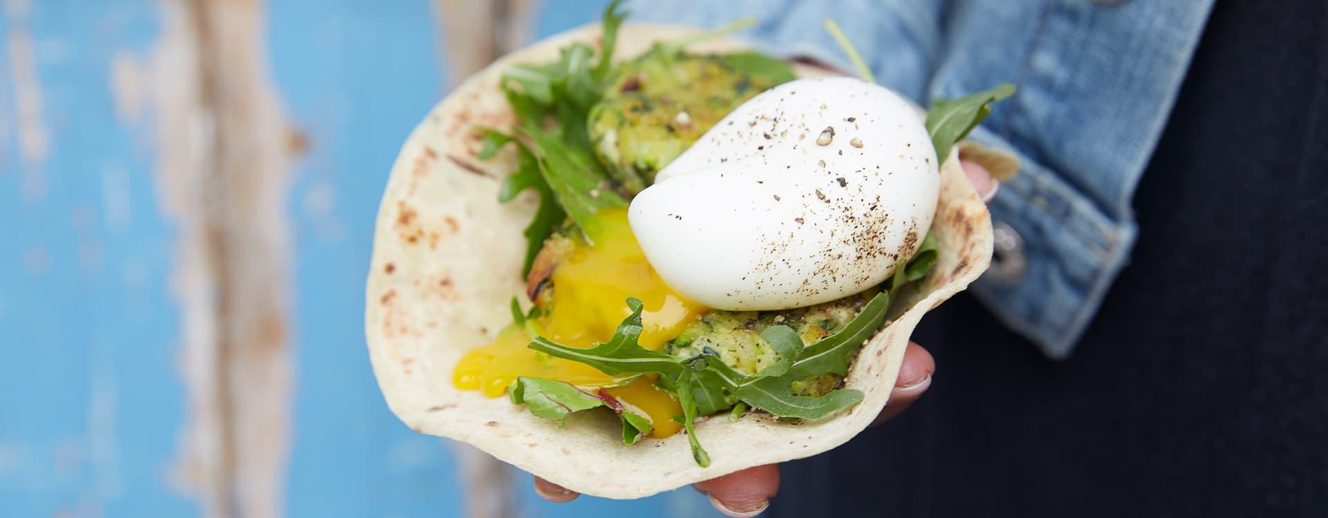 Squash-fritters i lompe med egg