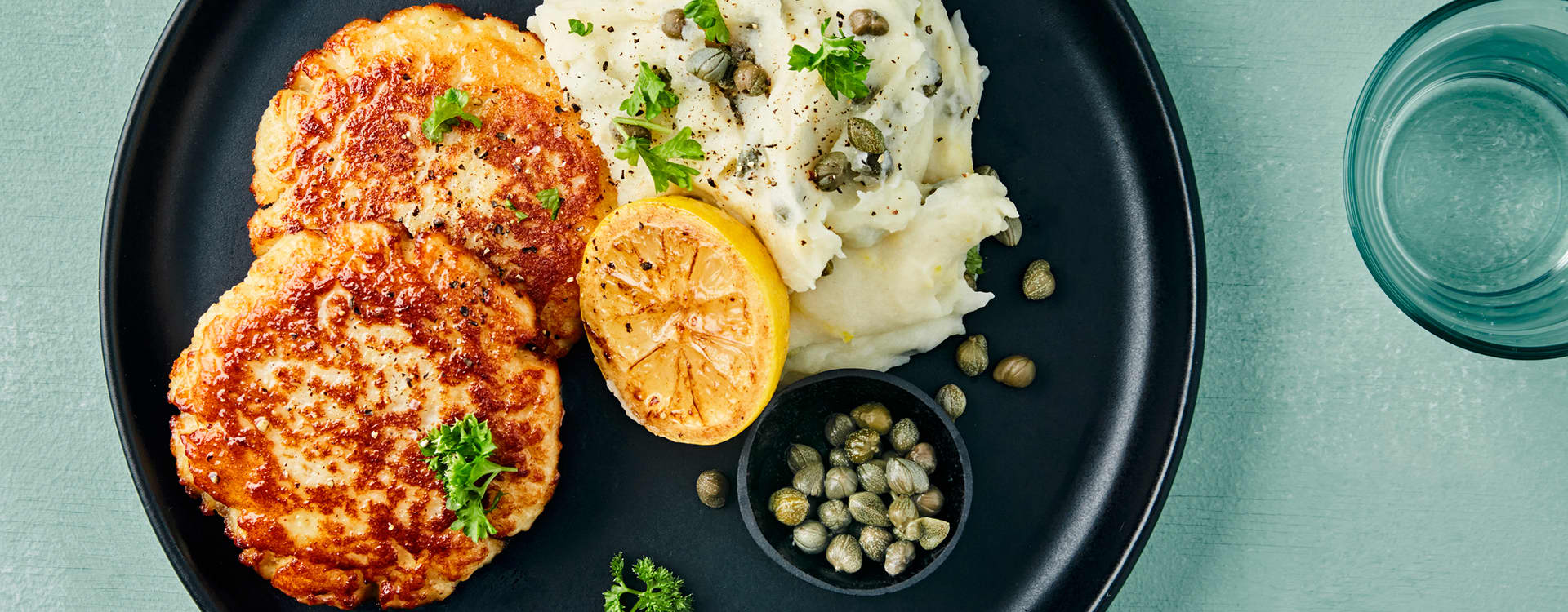Fiskeburgere og potetmos med sitron og kapers
