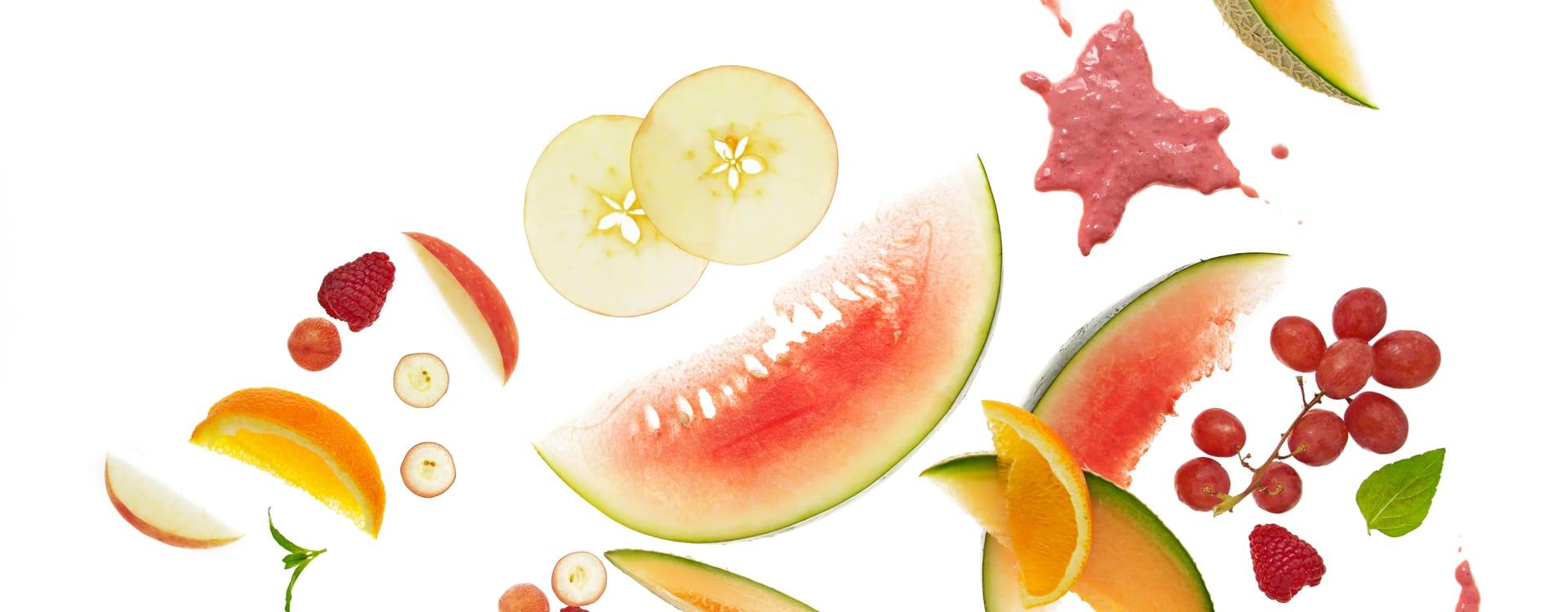 Barnas fruktfest med bringbærsaus