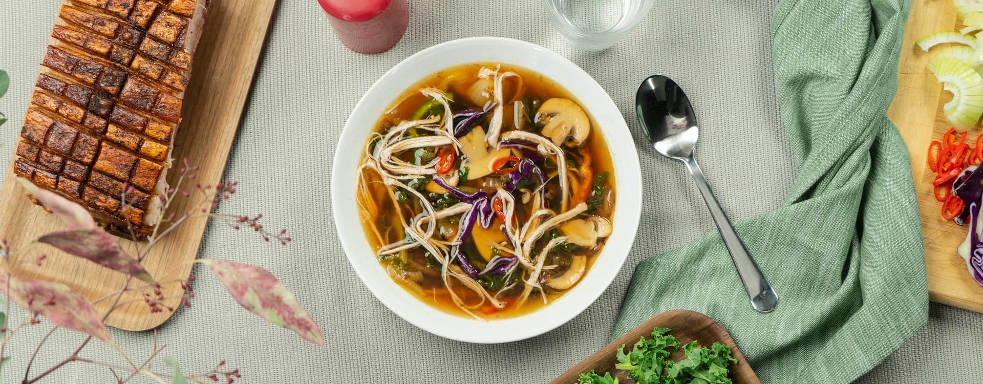 «Asian style» kjøttsuppe med pinnekjøtt og ribbe