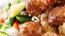 Kjøttboller med ris og tzatziki
