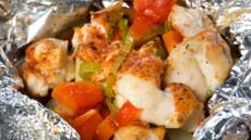 Foliegrillet kyllingfilet med grønnsaker