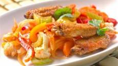 Kyllingvinger med grønnsakmiks