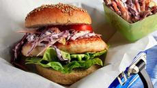 Fiskeburger med coleslaw