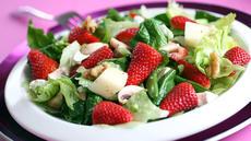 Jordbærsalat med honningvinaigrette
