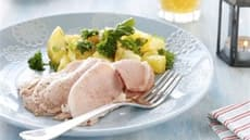 Sommerskinke med potet- og urtesalat
