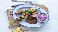 Grillet entrecôte med grønnsaksspyd