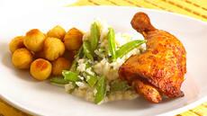 Kyllinglår med blomkålstappe og sukkererter