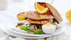 Focaccia med kyllingfilet, pesto og mozzarella