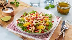 Salat med reker, appelsin og basilikum