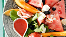 Salat med melon, fetaost og spekeskinke