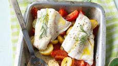 Ovnsbakt fisk med tomat og nye poteter