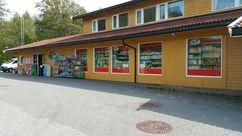 Fasade Nærbutikken Oven Camping